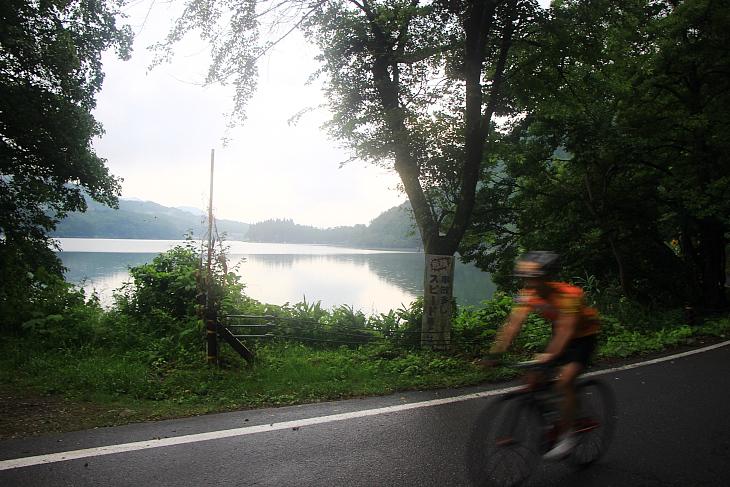仁科三湖を脇に見ながら白馬方面へ北上していく