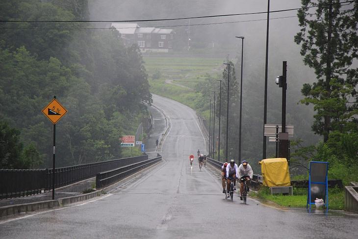 栂池高原に向かう途中には見晴らしの良いパノラマ橋を渡る