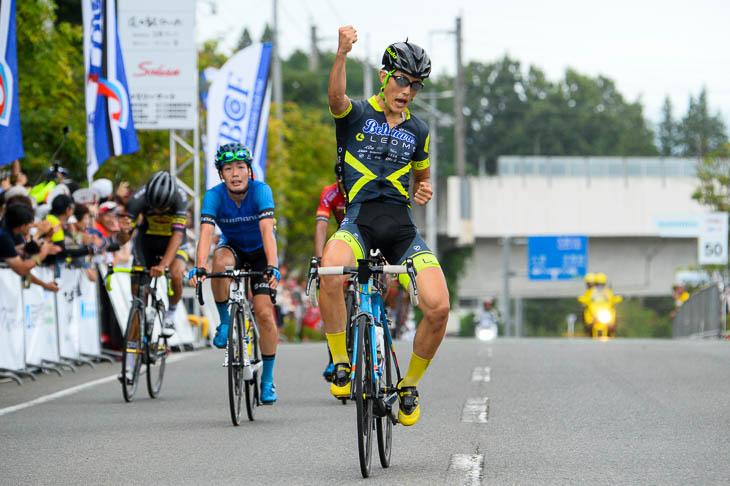 P1 横塚浩平(LEOMO Bellmare Racing team)が優勝