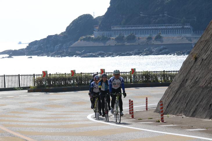 海沿いの熊野街道に出ればすさみ町のゴールはもうすぐだ