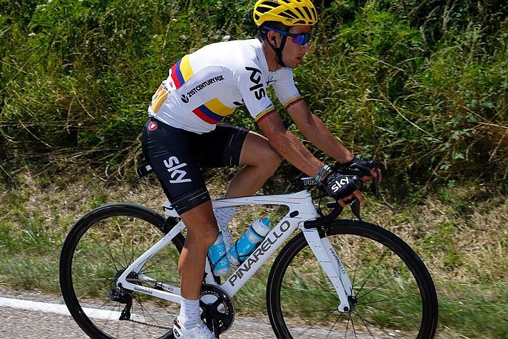 スペシャルモデルのF10を駆るコロンビアチャンピオンのセルジオ・エナオ(チームスカイ)