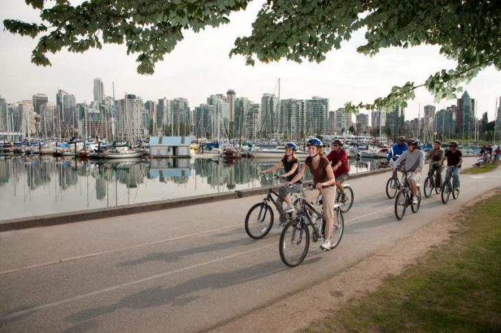 バンクーバー市内をサイクリング
