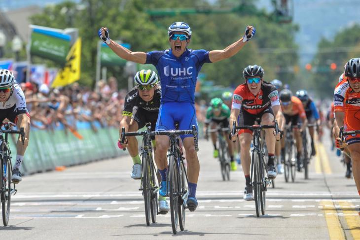 第5ステージ 集団スプリントでトラヴィス・マケイブ(アメリカ、ユナイテッドヘルスケア)が勝利