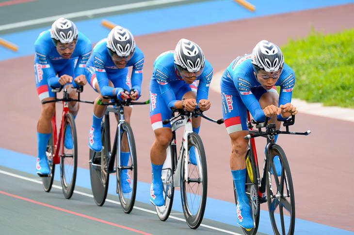 男子4kmチーム・パーシュート優勝 愛三工業レーシングチーム 4分20秒727(実業団新記録)