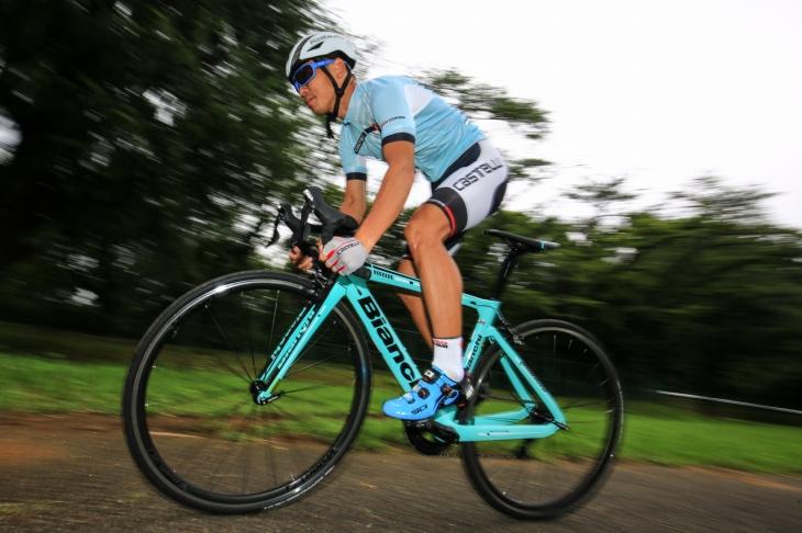 「エアロロードの癖を排除し、ハイレベルにまとまったレーシングバイク」村山智樹(ZING² FUKUOKA-IWAI)