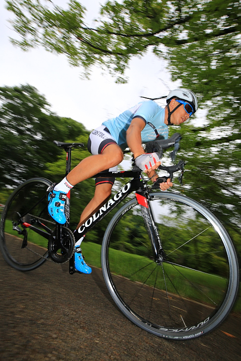 「平地も登りもオールマイティに走ってくれるレーシングバイク」村山智樹(ZING² FUKUOKA-IWAI)