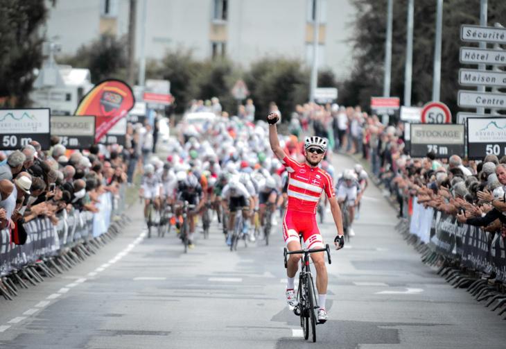 強力なベルギーやポーランドチームの追い上げに抵抗し、ソロ逃げ切り優勝を掻っ攫ったキャスパー・アスグリーン(デンマーク)