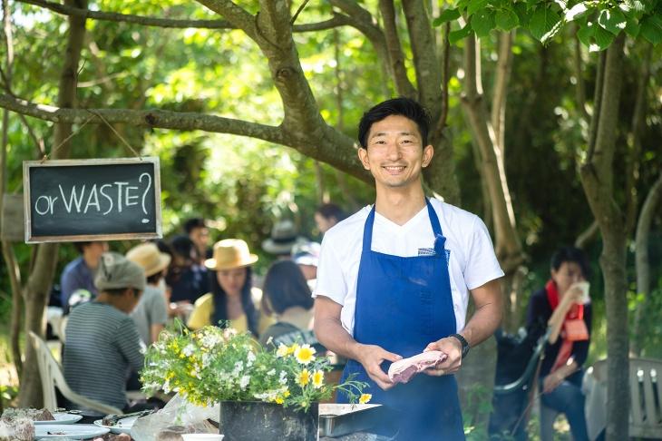 アスリートシェフとして知られる「レストラン オギノ」(東京・池尻)の荻野伸也シェフによるアウトドアディナー