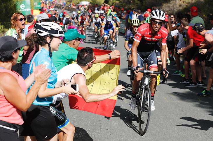 アルベルト・コンタドール(スペイン、トレック・セガフレード)が山岳序盤でペースを上げる
