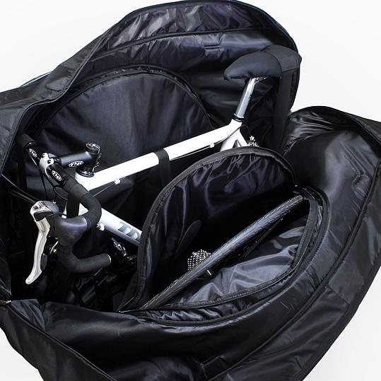 サドルやハンドルの作業を行わなくてもバイクを収納することができる