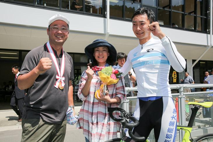 男子4kmインディヴィデュアルパーシュート 優勝の松下綾馬(京都産業大)