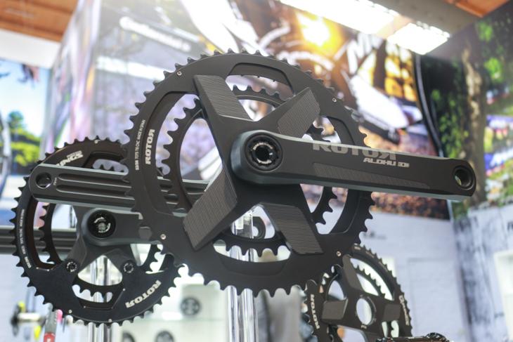 ローターはCNC削り出しによるアーム一体型Qリングとクランクセットを発表