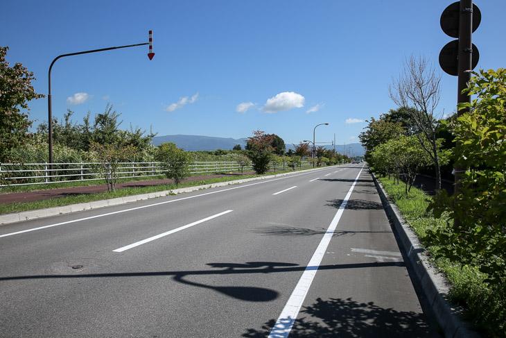 第1ステージ フィニッシュ地点 ラスト2.5kmからほぼ一直線だ