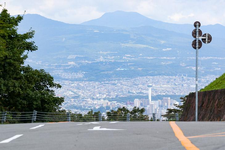 第3ステージ フィニッシュ地点の函館山頂上。ここまで4.8kmで320mの標高差