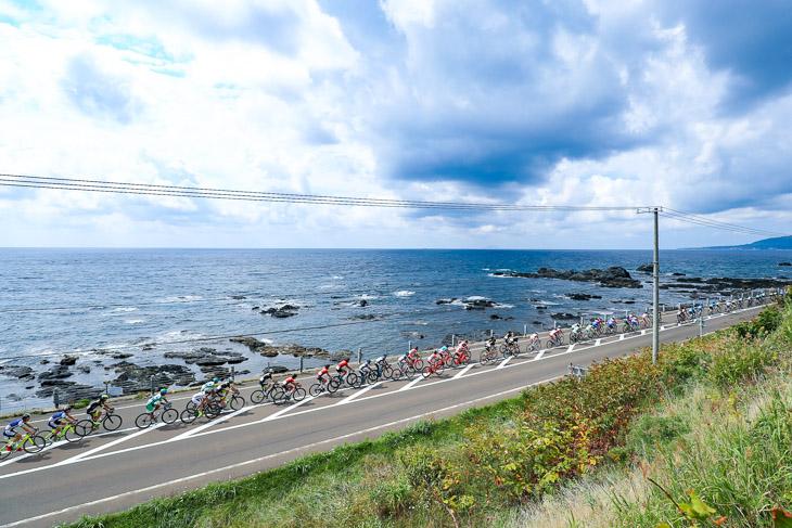 75km地点、北海道最南端の白神岬を行く
