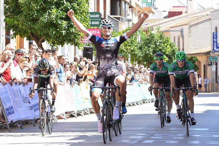 第4ステージを制したスリアーノ・カンベラス(スペイン、POLARTEC-F.A.CONTADOR)