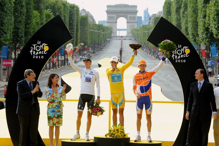 2010年 アルベルト・コンタドール(アスタナ)がツール・ド・フランスで3度目の総合優勝を果たすも、その後タイトルは剥奪される