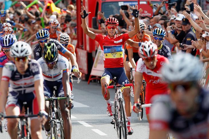 2012年 2度目のブエルタ・ア・エスパーニャ総合優勝を果たしたアルベルト・コンタドール(サクソバンク・ティンコフバンク)が剥奪されたタイトルを含めてグランツール7勝目をアピール
