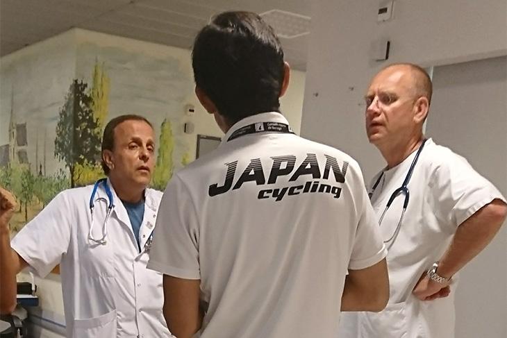 選手が病院に搬送された際には、医師とのコミュニケーションも行うこととなる。言語はもちろんフランス語だ