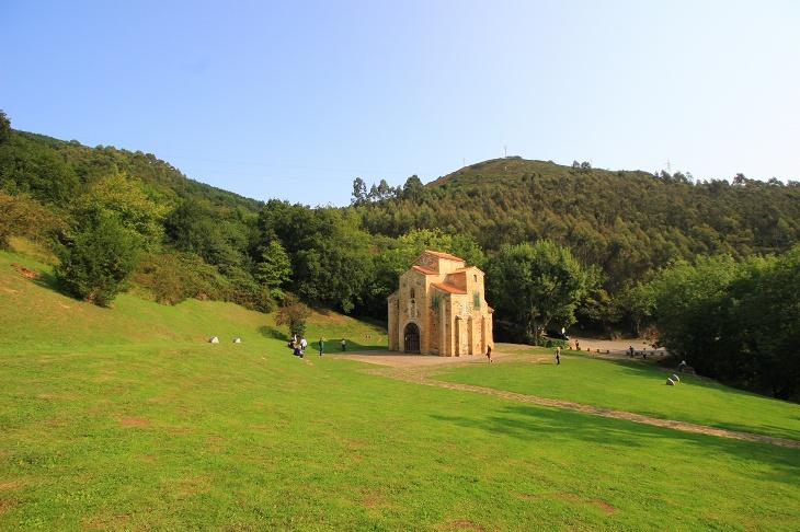 ナランコ山にあるサンミゲル・デ・リーリョ教会