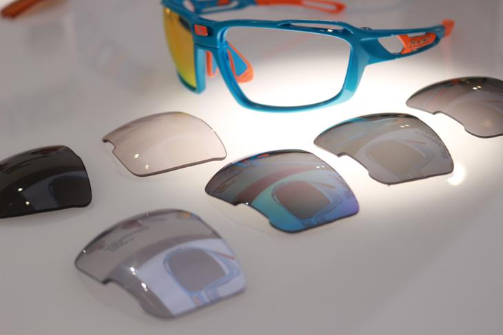 レンズ交換が容易のため、シチュエーションにあわせて替えやすい