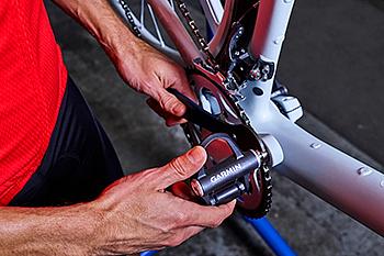 取り付けに使用する工具はペダルレンチのみで、容易な着脱を可能とした