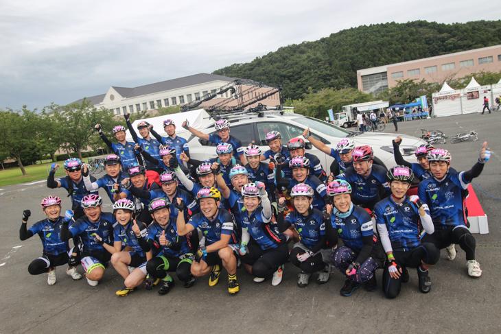 ツール・ド・東北を走るSUBARU100kmチャレンジプロジェクトの皆さん