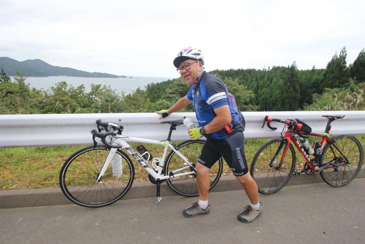 自転車初心者のスバルの岡田取締役は脚の痙攣で大変な状況に