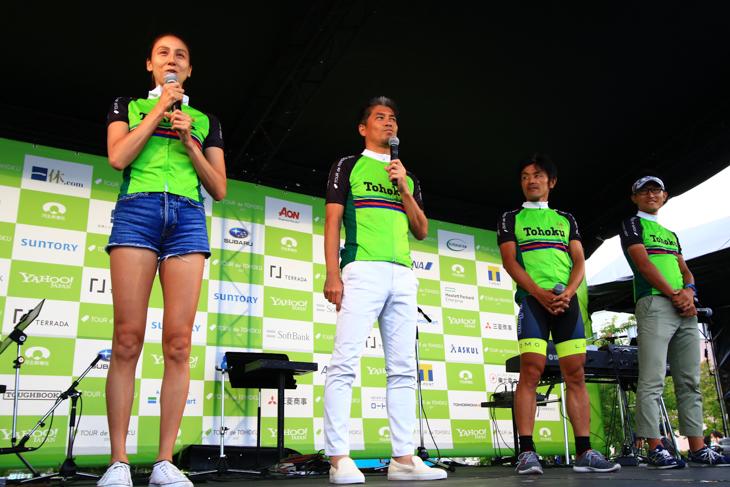 道端カレンさん、中西哲生さん、宮澤崇史さん、安藤隼人さんらによるステージ