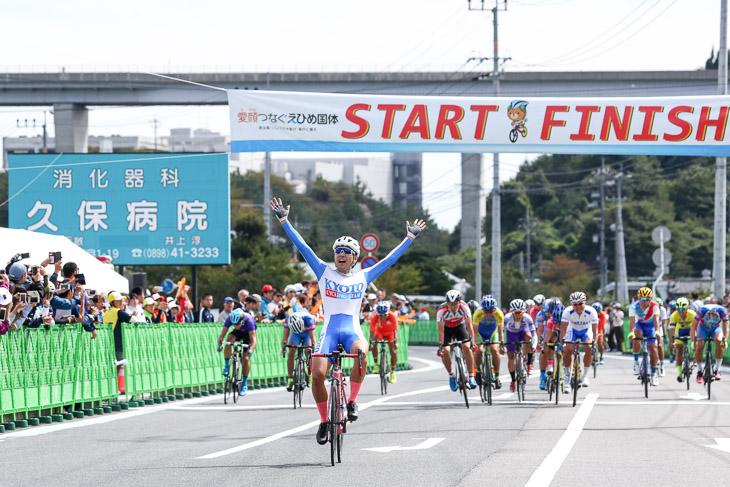 成年男子 草場啓吾(京都、日本大)が2秒差で逃げ切り優勝。自身全国大会ロード初優勝
