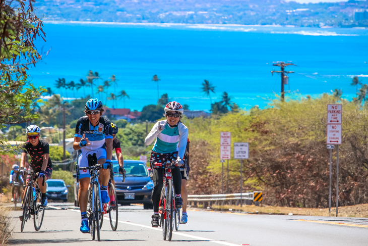 今中大介さんを先頭に抜けるような青い海のハワイカイからハナウマ湾へと登る