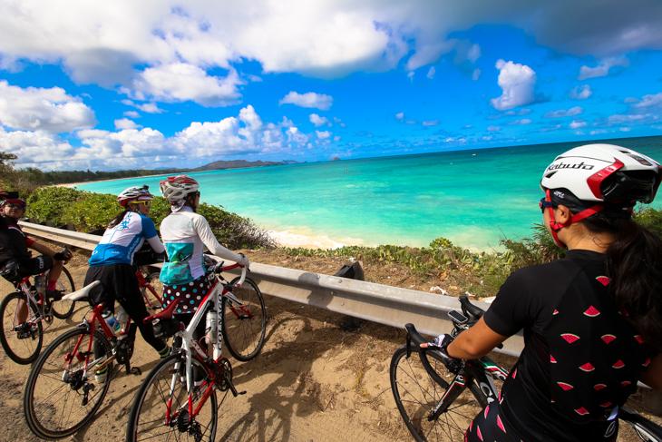 カイルアへと向かう海岸線から眺める海の発色の素晴らしさといったら!