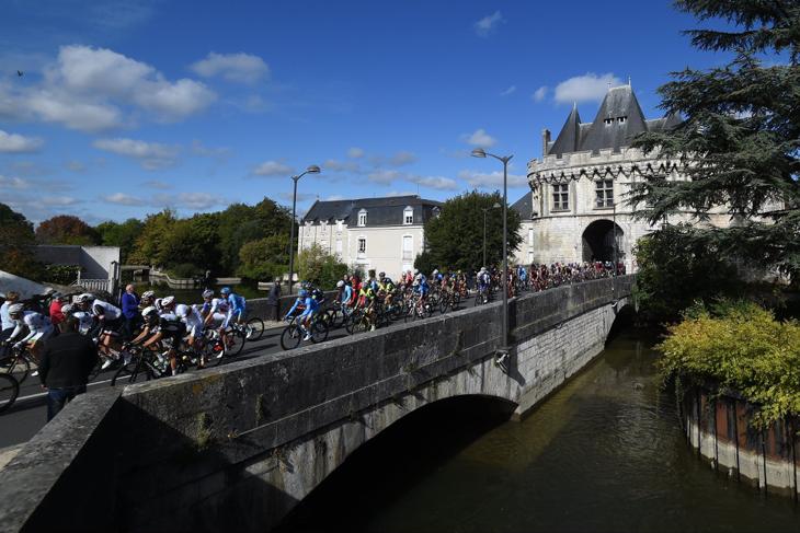 フランス中部の平野部で開催された第111回パリ〜トゥール