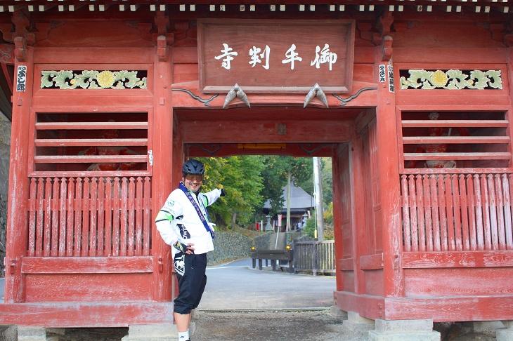 久昌寺は山門と観音堂が道路1本挟んで離れて建っています