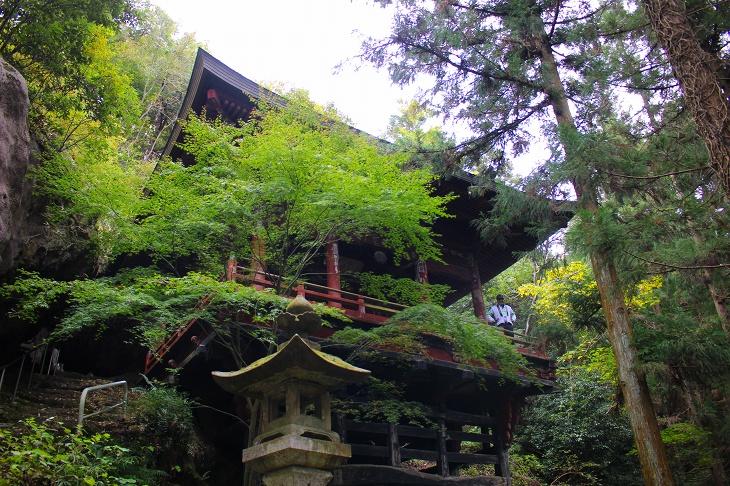 遂に現れた岩井堂。メタボ会長が秩父札所の中で一番好きな場所です
