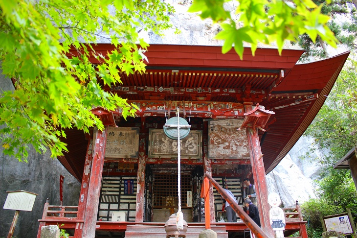 江戸中期の建立という観音堂には秩父札所で唯一となる馬頭観世音が安置されています