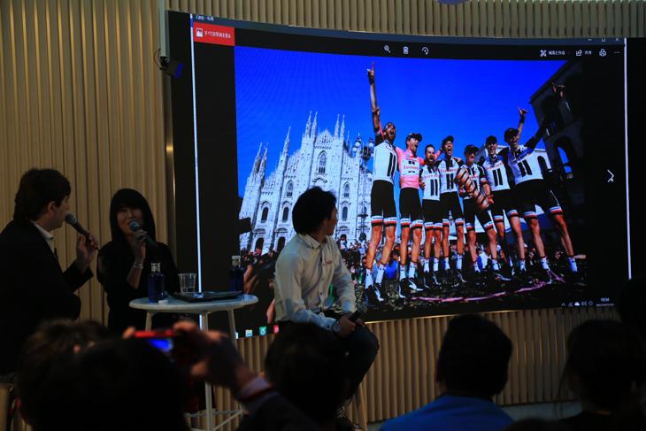 撮影担当チームのサンウェブの写真。勝つほどに仕事量が増えるのは嬉しい悲鳴だ