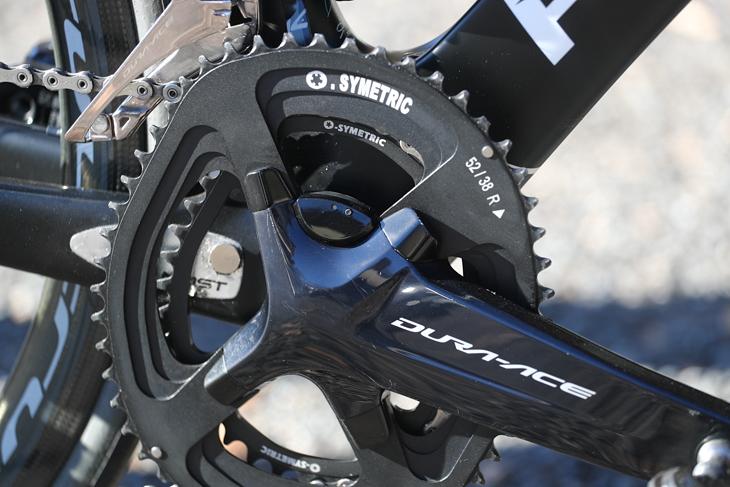 小西さんのバイクはFC-R9100-Pクランクにオーシンメトリックのチェーンリングという組み合わせ
