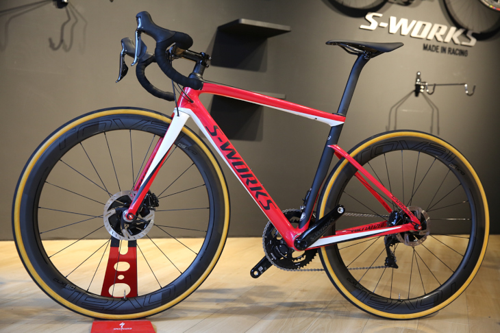 スペシャライズド S-WORKS TARMAC MEN SL6 DISC DI2(GLOSS FLO RED/METALLIC WHITE SILVER/SATIN BLACK)