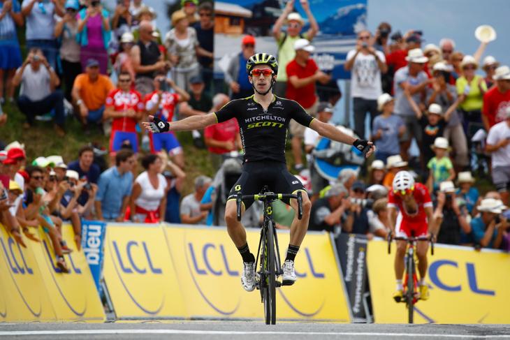 クリテリウム・デュ・ドーフィネでステージ優勝を飾ったアダム・イェーツ(イギリス、ミッチェルトン・スコット)