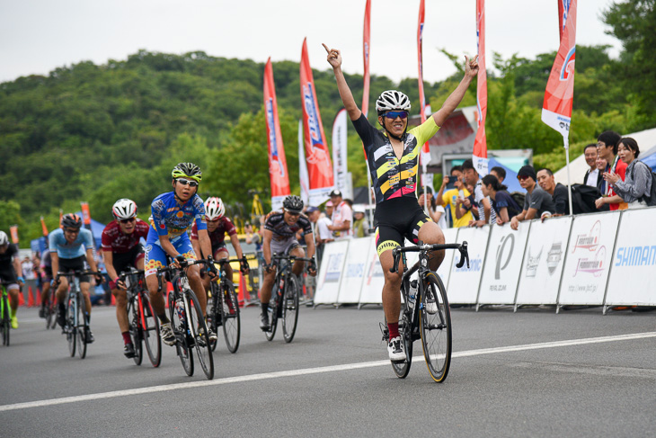 E3 中村弦太(eNShare Cycling Team)が優勝