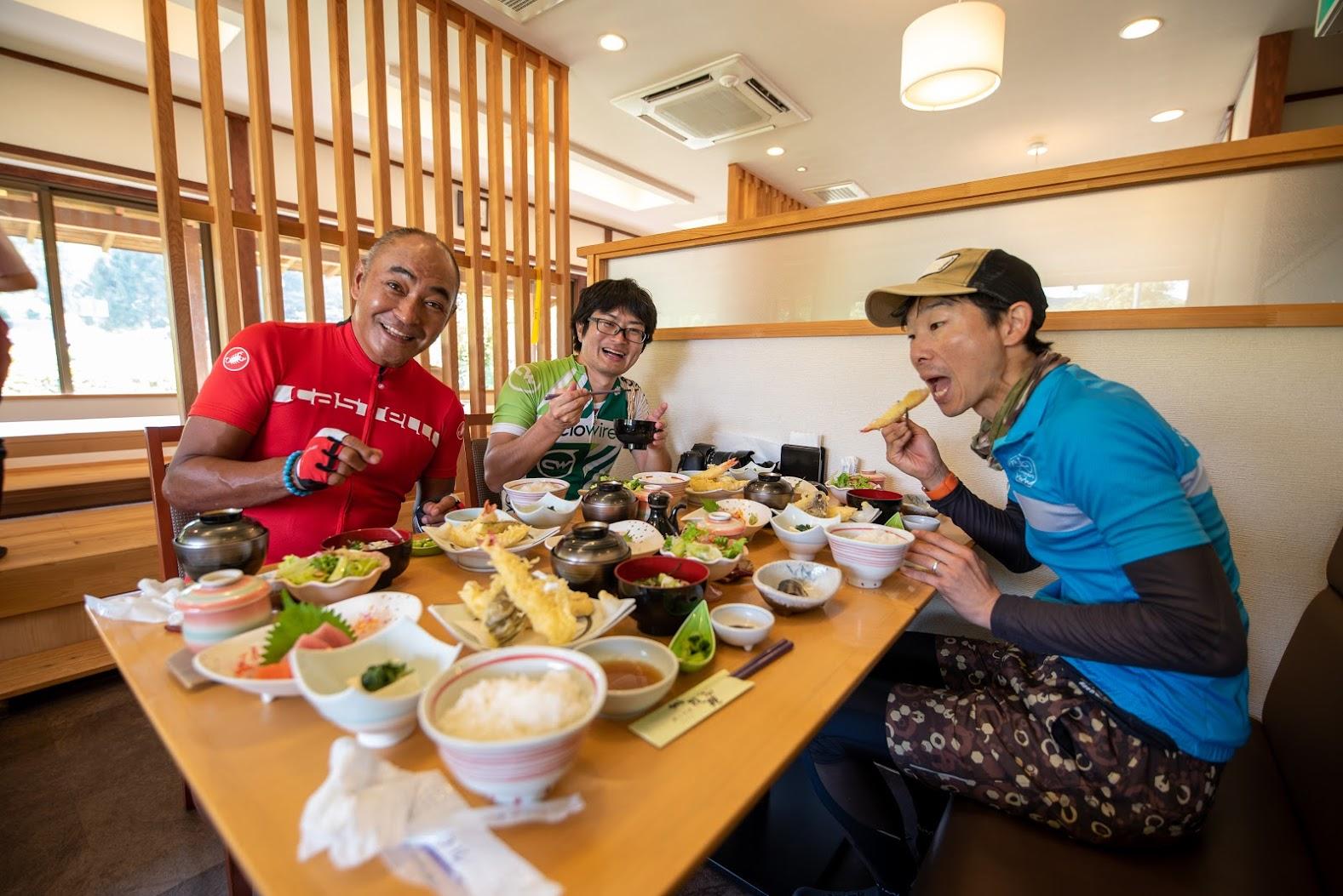 お昼は豪華な天ぷら御膳でした